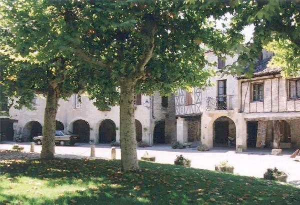 Charming Fources, circular bastide